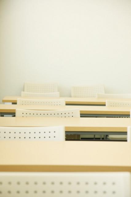 TOEICテストスコア700突破のための対策教材3冊